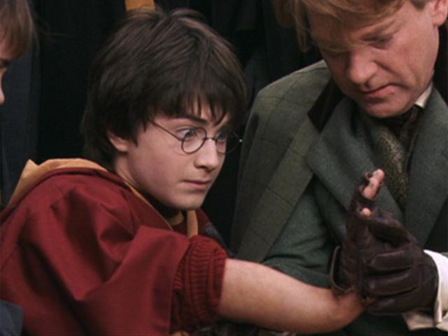 Odlévání ruky Harryho Pottera
