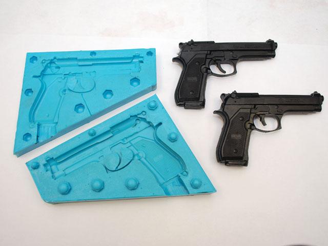 Výroba věrné makety zbraně